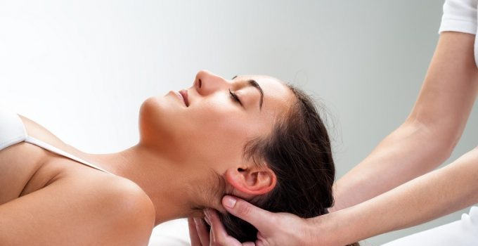Signs You Need a Chiropractor for Neck Pain